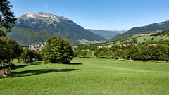Village de Jarsy et Mont Colombier (2045 m)