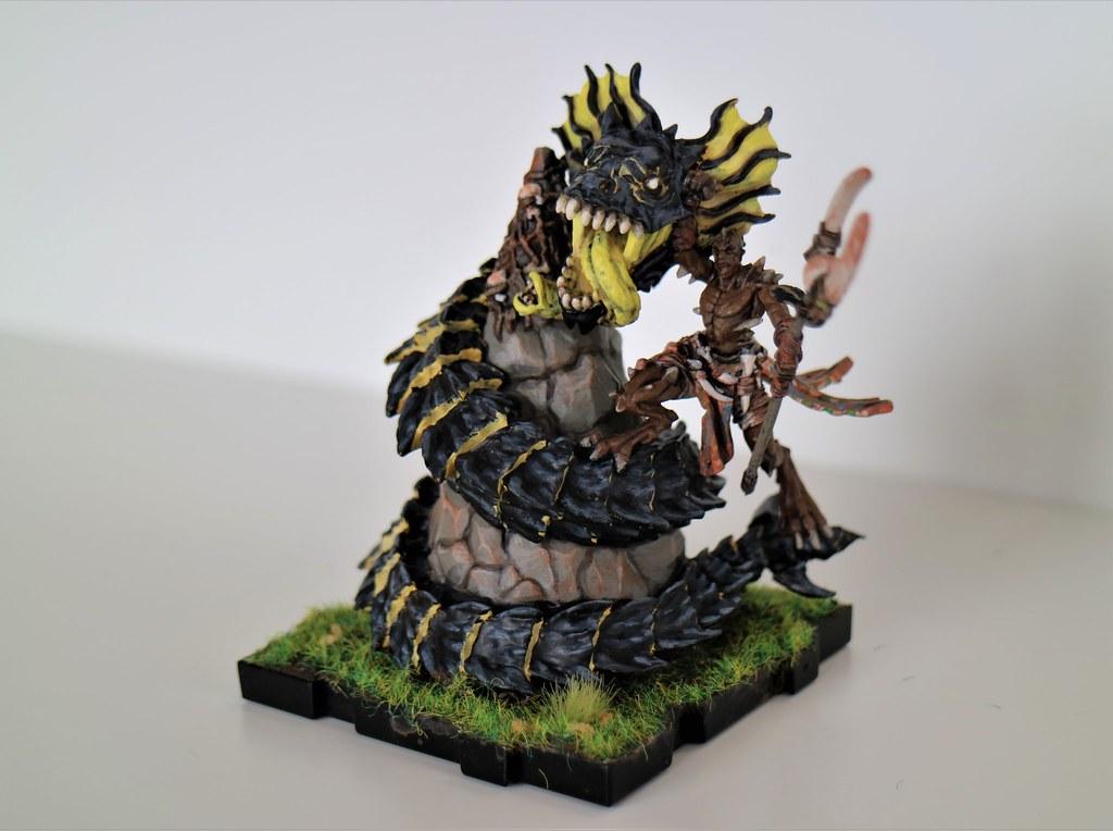 Runewars Th'Uk Tar and Gorgemaw Side