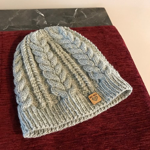 I finished the Bynx Hat by Hayley Geary