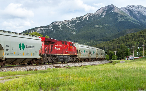 CP 8713 669 at Mile 89 Crowsnest Sub