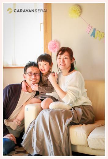 4歳の誕生日記念の家族写真を出張撮影 女の子