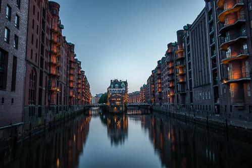 Moody Night in Hamburg City from Toni Hoffmann