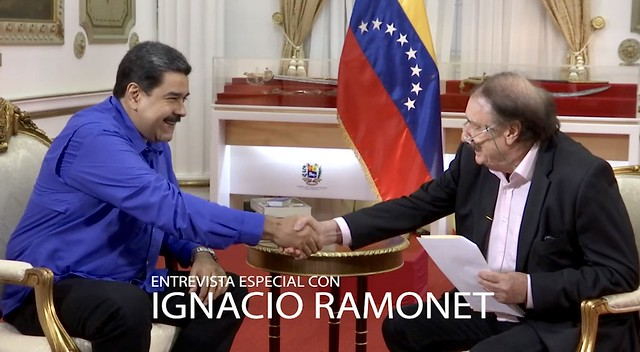 Nicolás Maduro y el periodista español Ignacio Ramonet; la entrevista será transmitida por Venezolana de Televisión este martes (1) - Créditos: Venezolana de Televisión