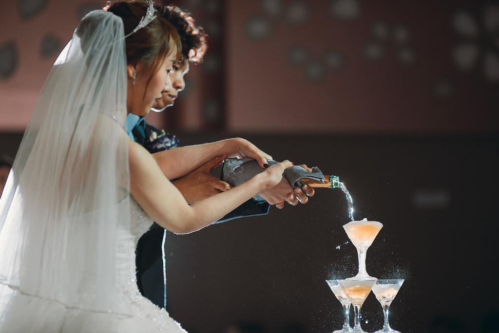 百大攝影師,獅子座結婚,婚禮宴客,台中婚攝,找婚攝,EDstudio,婚攝推薦,意識影像,婚紗攝影,台中市婚禮拍攝,蔡艾迪,展華花園會館,