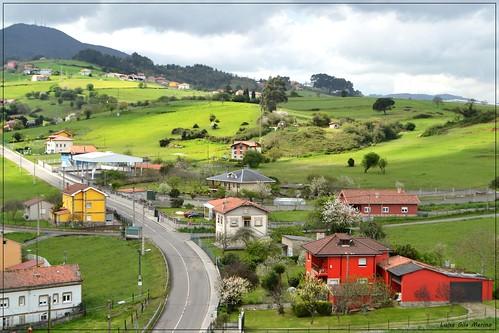 Nubes y claros en Entrialgo - Asturias