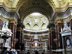 BUDAPEST - LA BASILICA DE SAN ESTEBAN (INTERIOR)