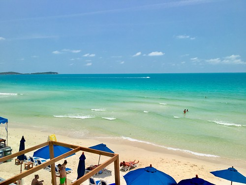 今日のサムイ島 3月31日 今年の夏は暑い(-_-)