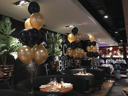 Tafeldecoratie 10ballonnen The Oysterclub Rotterdam