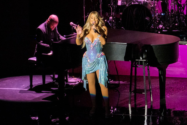 Mariah Carey : Caution World Tour - Radio City Music Hall, New York (2019)