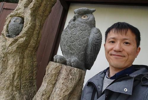 フクロウの石像