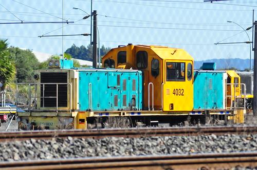 DSJ 4032