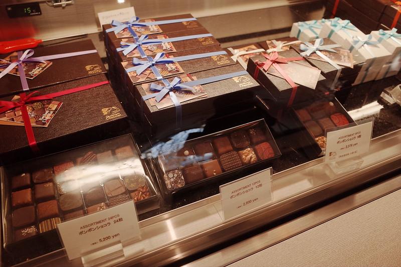 銀座一丁目Decadence du Chocolatショーケース