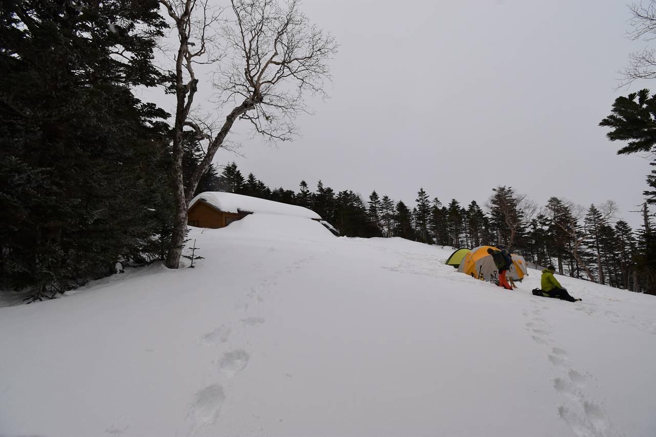 冬の三伏峠テント場