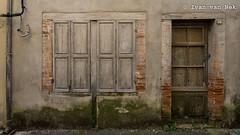 In a dark alley... - Photo of Saint-Laurent