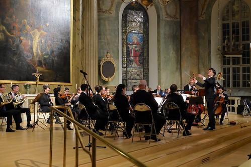 Camerata Ostrogothia med dirigenten Roman Reznik
