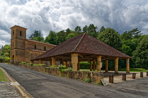 Halle de Montferrand du Périgord - Dordogne