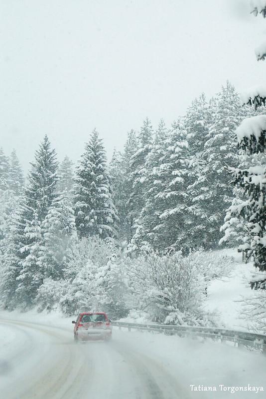 Зимний пейзаж с дороги Зворник - Сараево