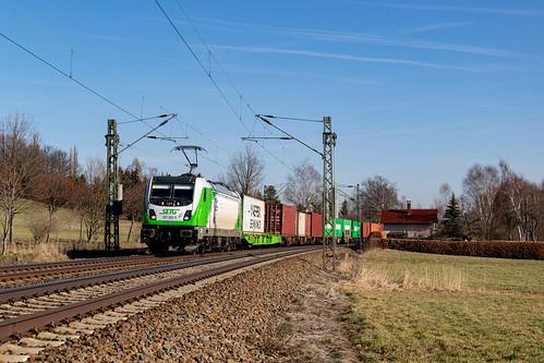 187 302 mit DGS 59982 in Schönbörnchen