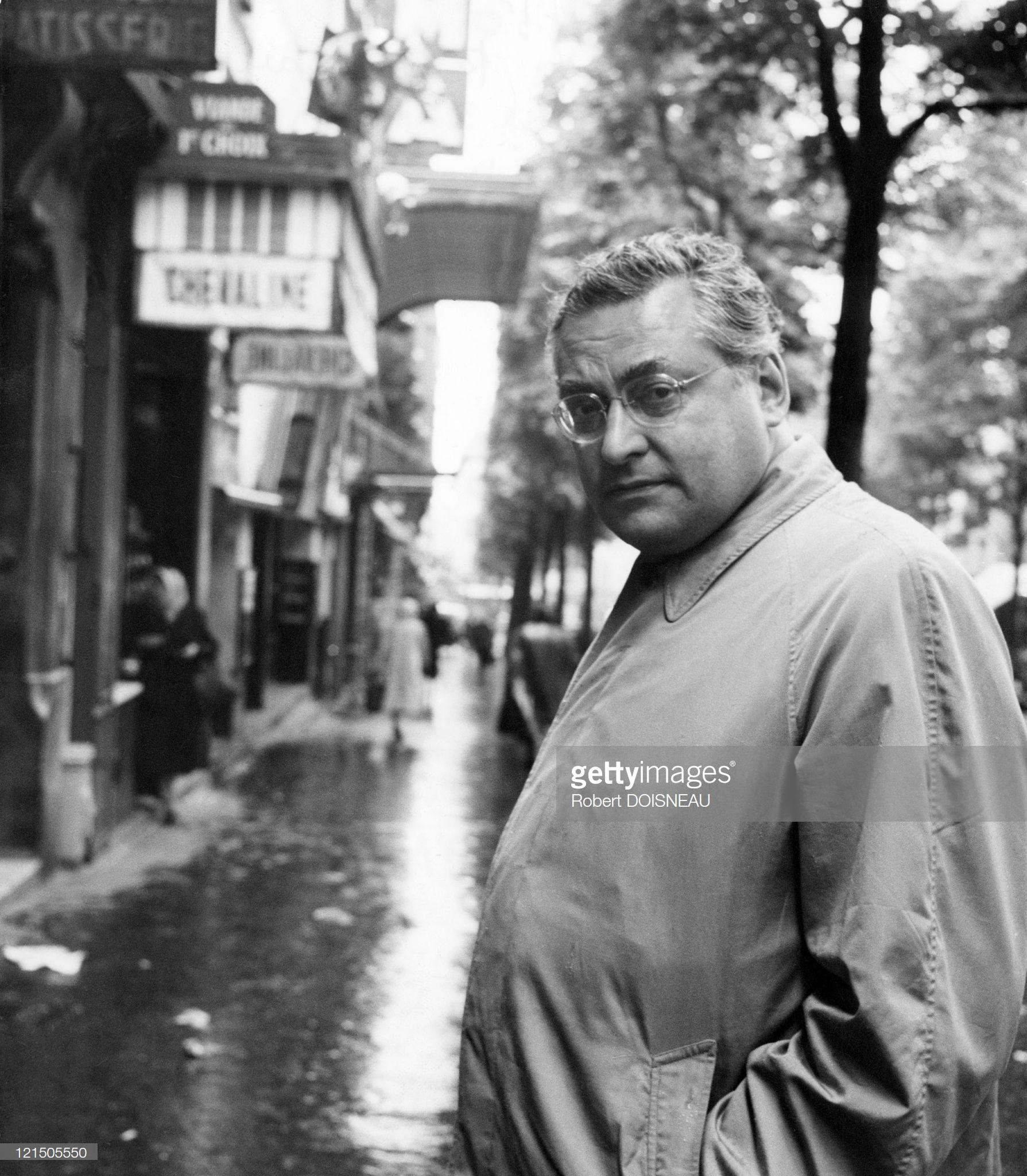 1956. Писатель Раймон Кено, улица Рейи, Париж, 31 мая