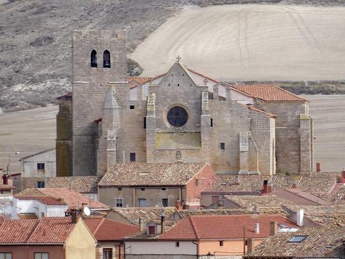 Los Balbases (Burgos-España). Iglesia de San Esteban vista desde la iglesia de San Millán