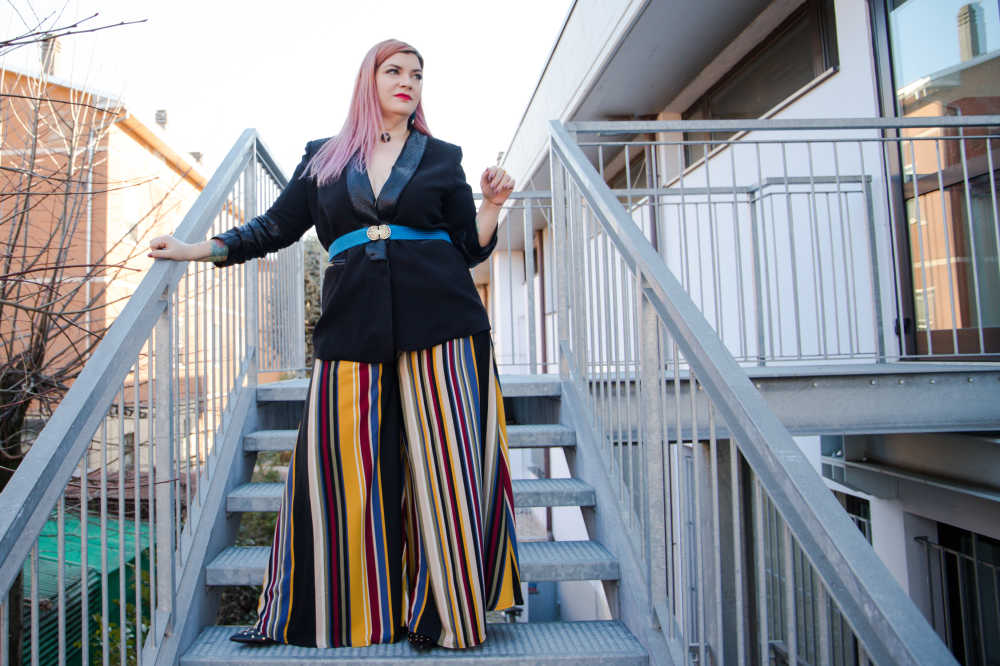 Outfit plus size fantasia e colori neutri (7)