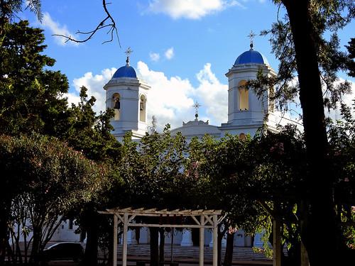 Navarro_Vista de la Iglesia desde la plaza.
