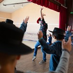 La compagnie José Galán initie les écoliers de Castaignos-Souslens au flamenco