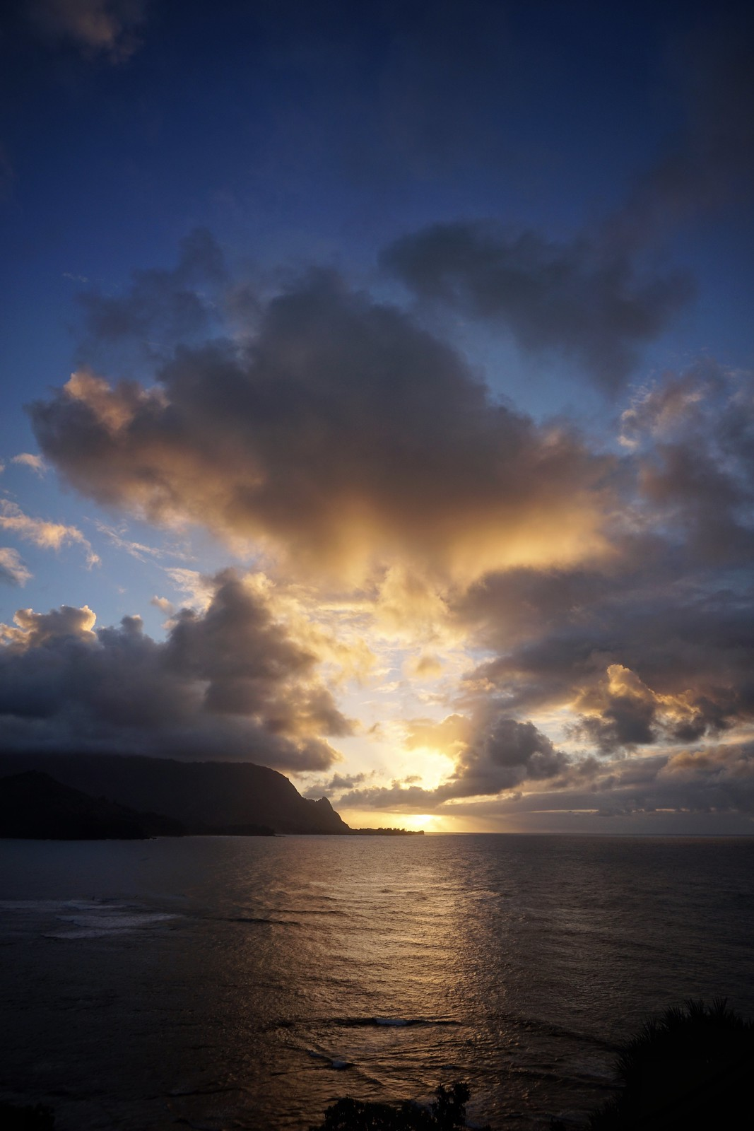 Sunset St Regis Princeville Resort Kauai Hawaii | Best Things to do in Kauai
