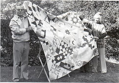 BB5a Issue 21 1985 Quilt Show  Dr Sheppard, Kay Reid and Elva Metcalf