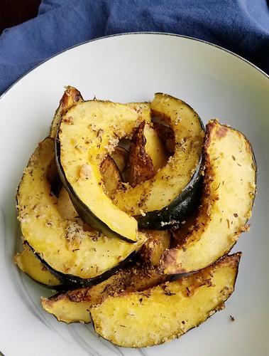 parmesan thyme acorn squash