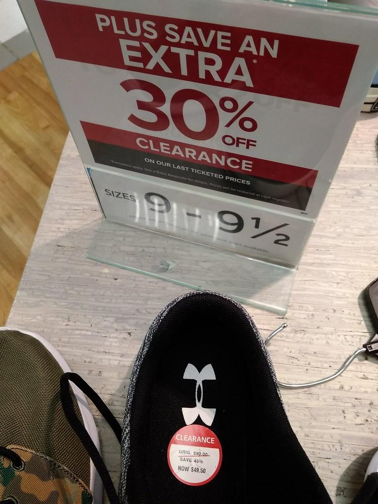 Under Armour运动鞋34.65加元,原价90加元