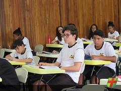 8° ano realiza atividade de troca de cartas pessoais na disciplina de Português