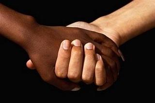 Noicattaro. razzismo front