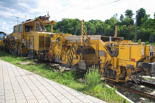 DB-Bahnbau - 97 16 34 002 17-6 Universalschotterplaniermaschine USP 2000 SWS-2 _b