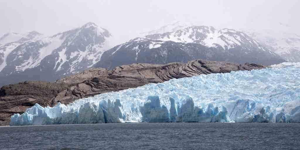 Le radar révèle un deuxième cratère au Groenland