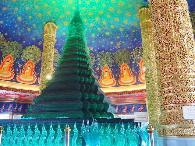 P1020591 ワットパクナム(WAT PAKNAM) 緑ガラス仏塔 バンコク タイ