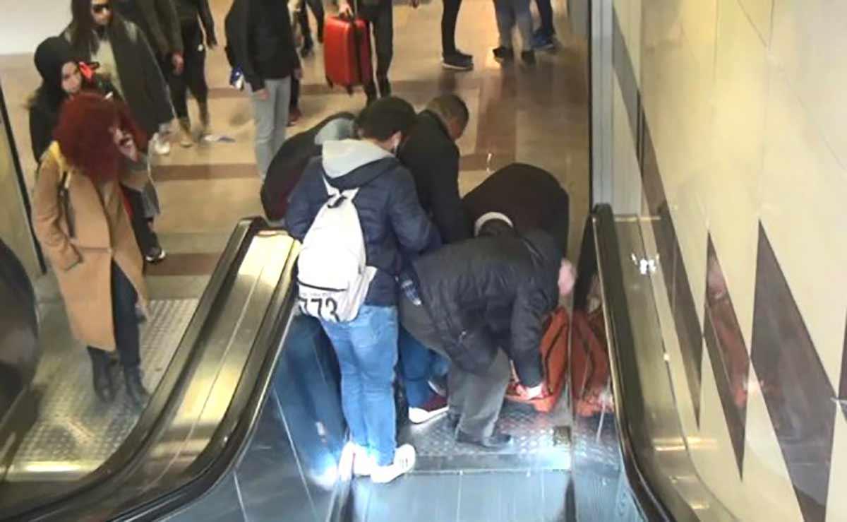 1Karagöz merdivenden inerken düştü