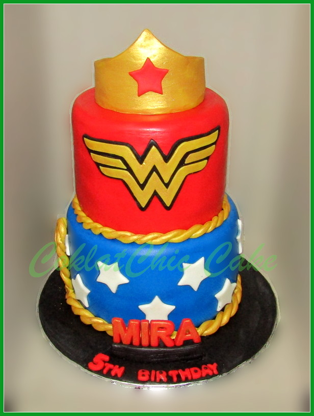Cake Wonder Woman MIRA 15/12 tinggi