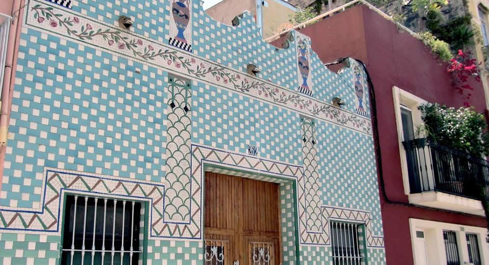 De leukste wijken van Valencia: el Cabanyal | Mooistestedentrips.nl