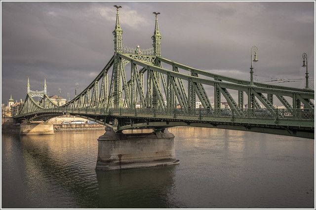 Liberty Bridge, Canon EOS M5, Canon EF-M 22mm f/2 STM