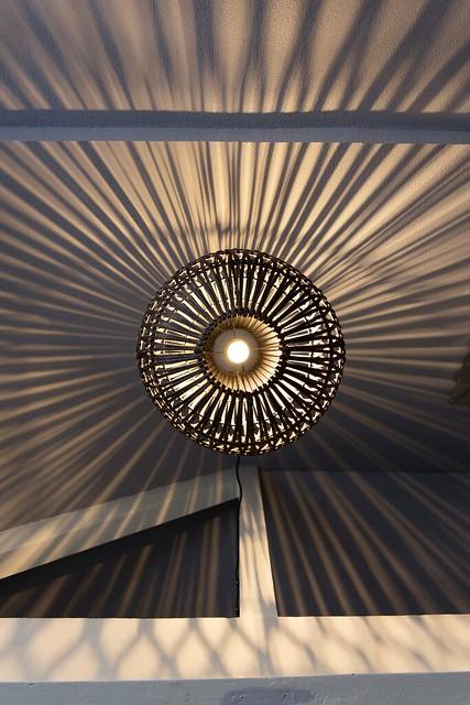 Effect lamp op plafond en muren