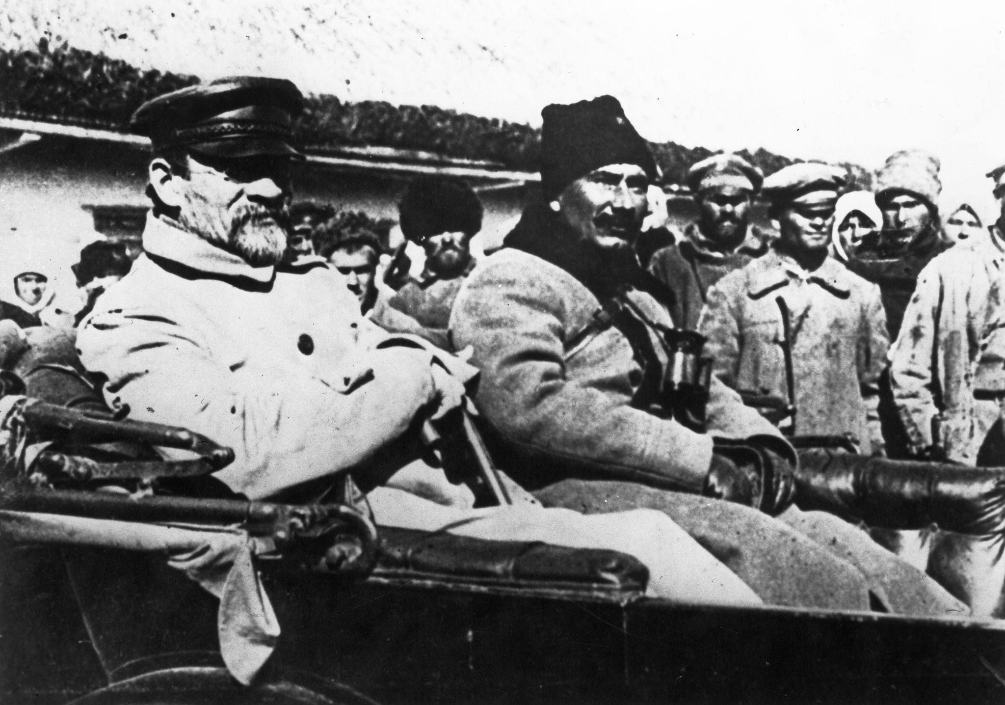 Калинин и Буденный на врангелевском фронте в октябре