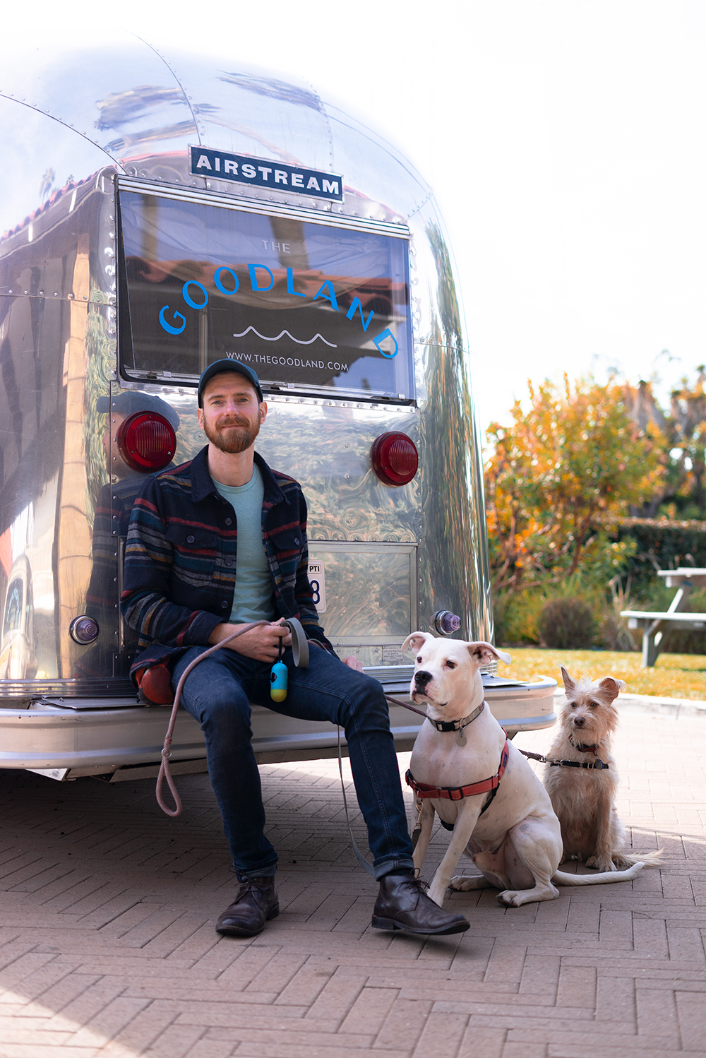 14goodland-santabarbara-hotel-travel-dogs-airstream
