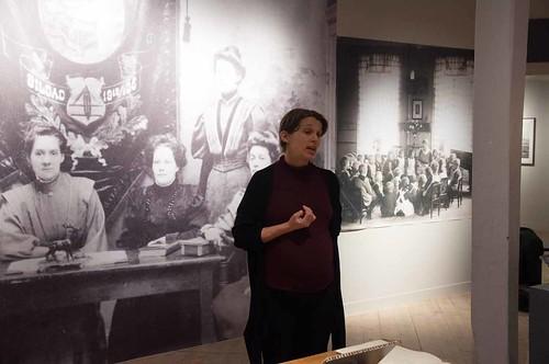 Josefine Höijer om textilarbetarfacket, till höger skymtar Fröbelgården