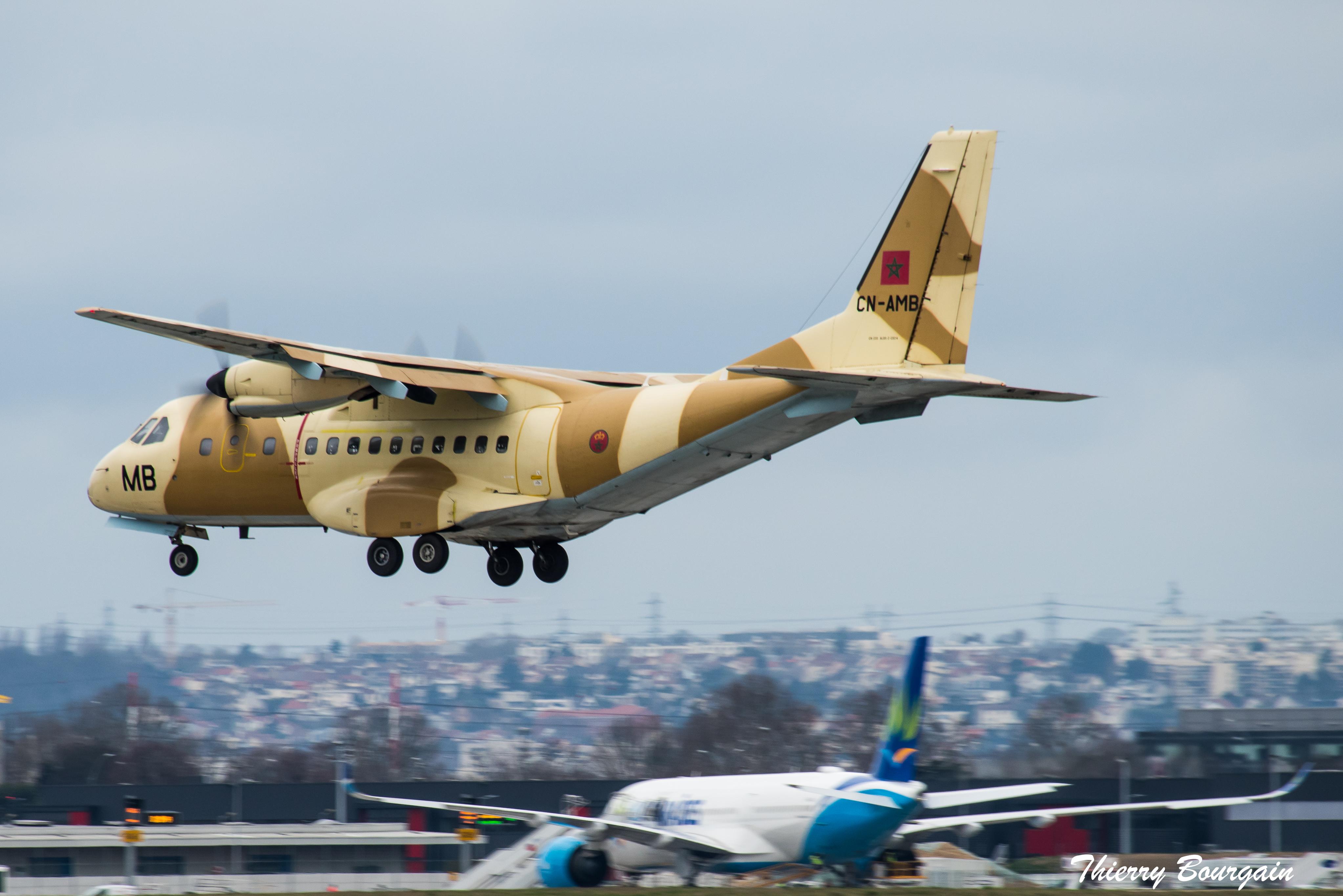 FRA: Photos d'avions de transport - Page 37 46604380234_f682958611_o