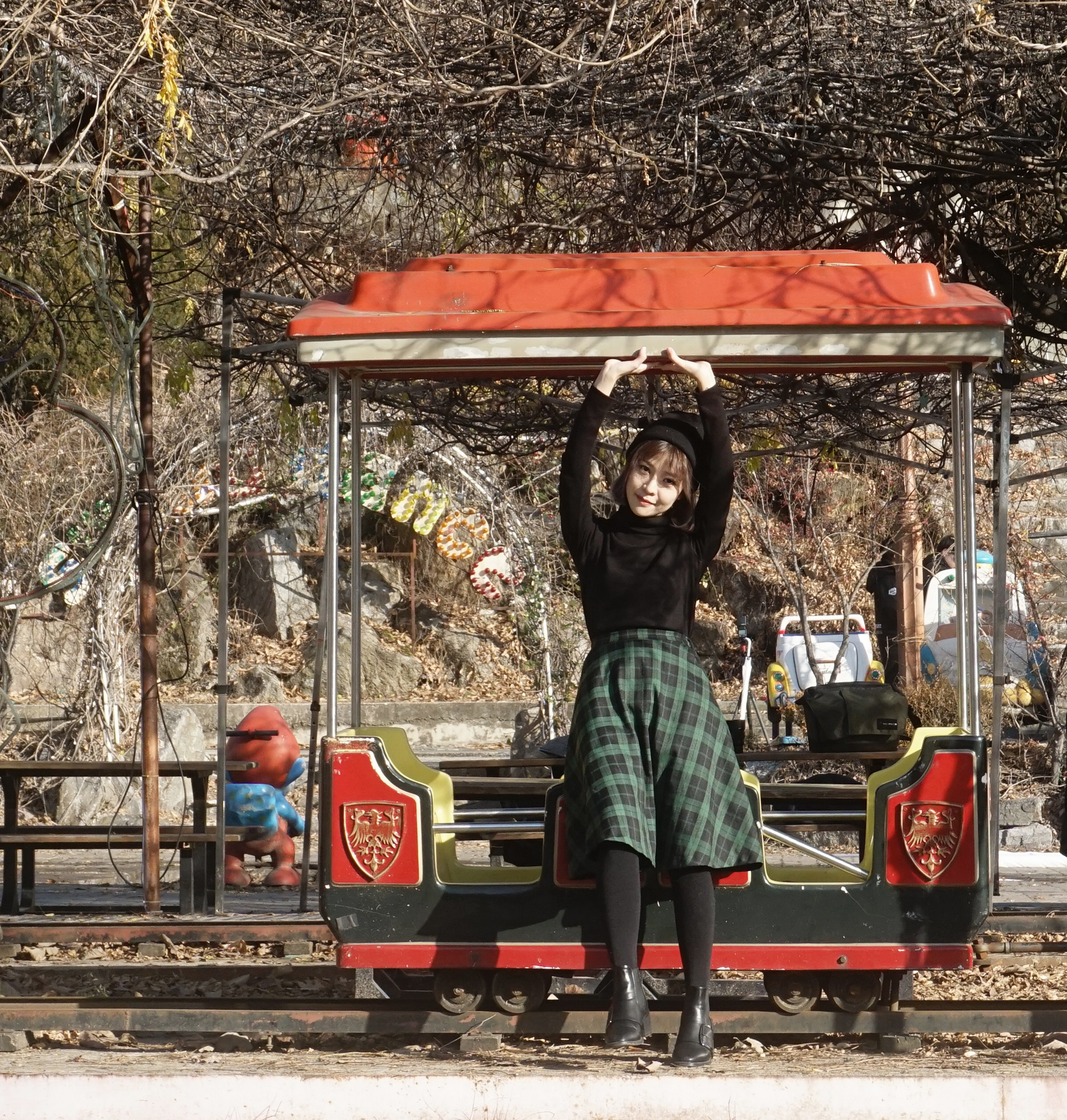 Yongma_Land_Abandoned_Amusement_Park_Seoul_Korea_Photoshoot_11