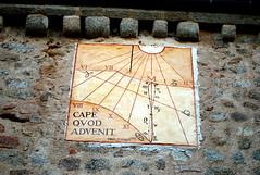 Saint-Haon-le-Châtel, cadran solaire de l'église