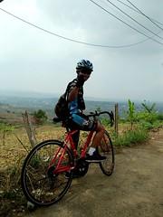 Mendaki Bukit Hambalang