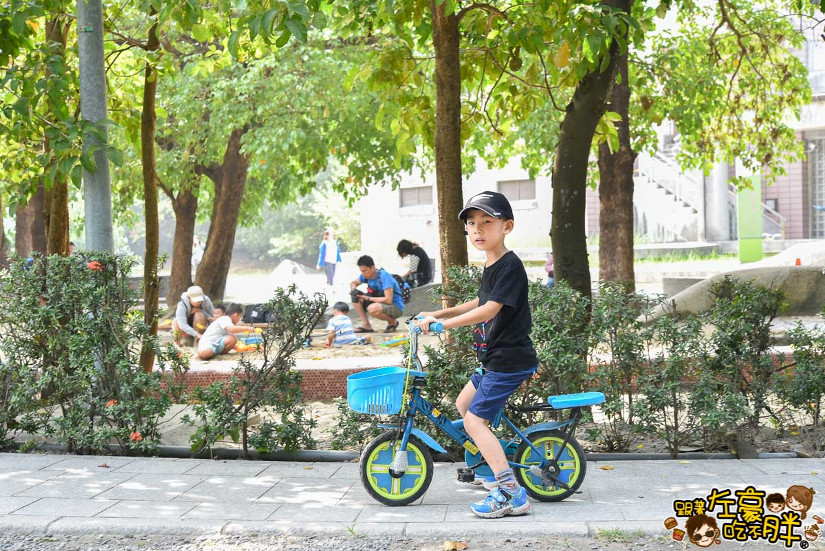 高雄親子旅遊 兒童美術館沙池