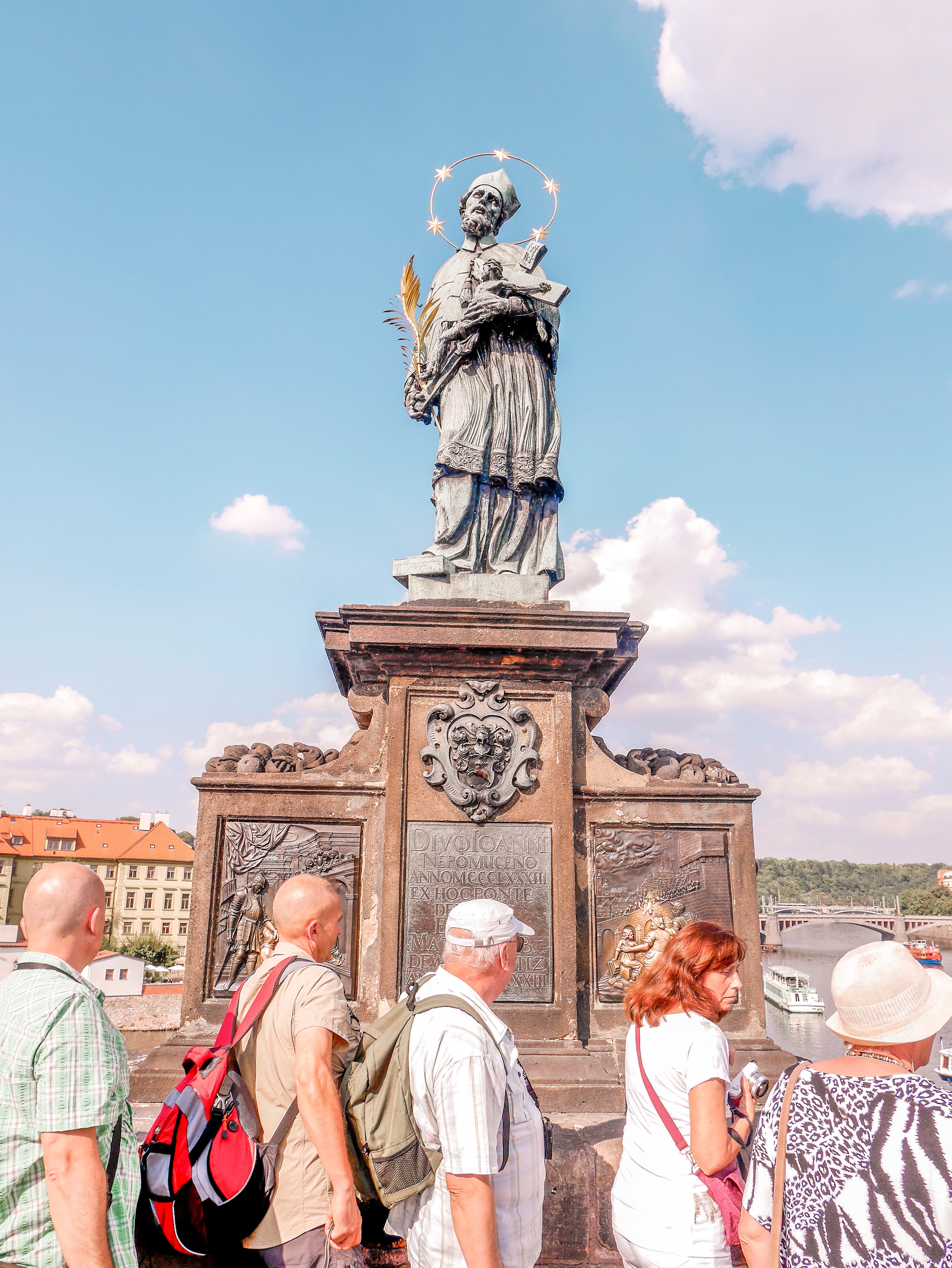 Sv. Jan Nepomunk statue